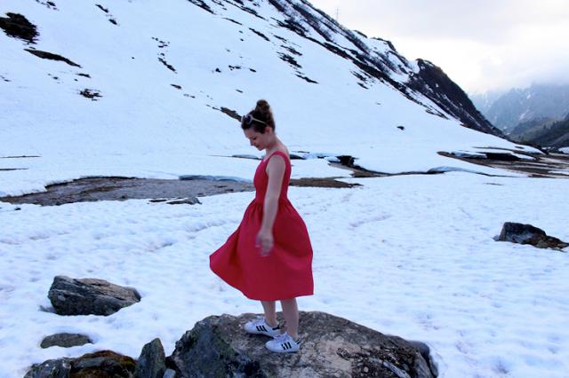 PINK DRESS & SNOW