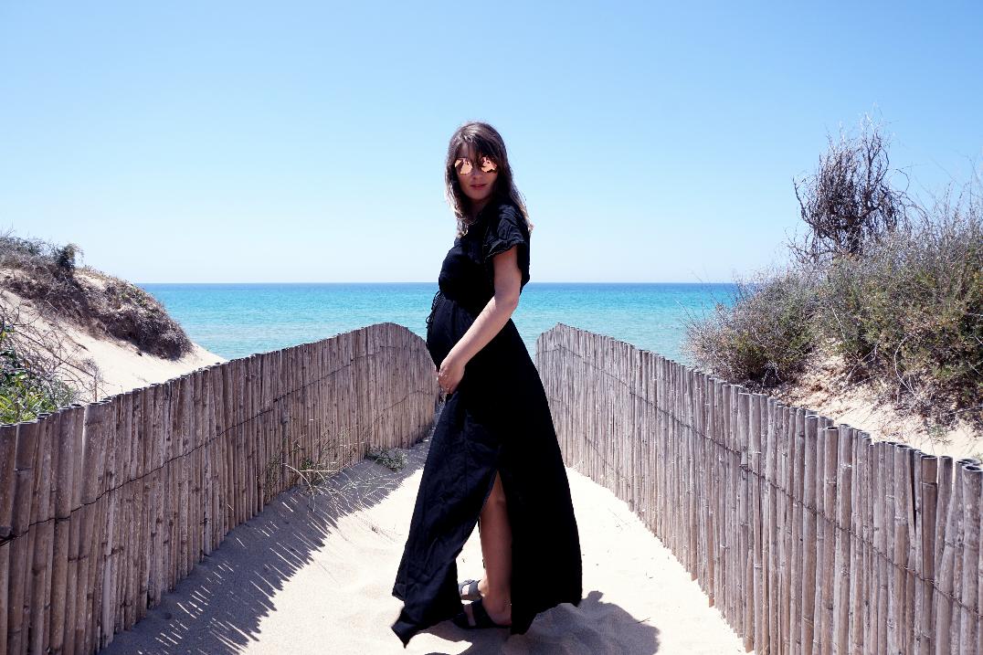 Style the bump – Black Maxi dress
