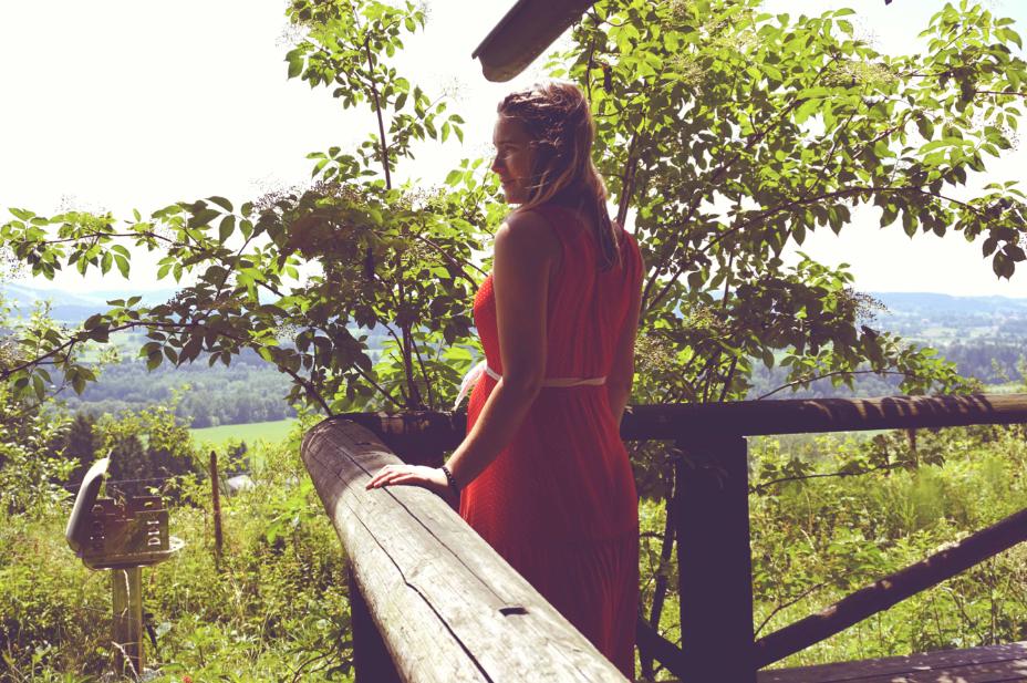 maybeyoulike_Blutsgeschwister_red_dress_2