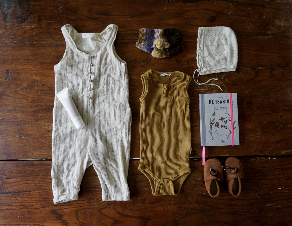 Baby Outfit – Natural Colors